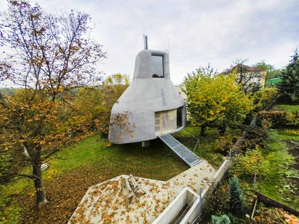 perierga.gr - παράξενη κατοικία σε σχήμα τζακιού!
