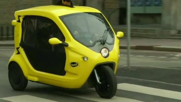 Perierga.gr-Ηλεκτρικά μίνι ταξί έκαναν την εμφάνιση τους στη Σουηδία