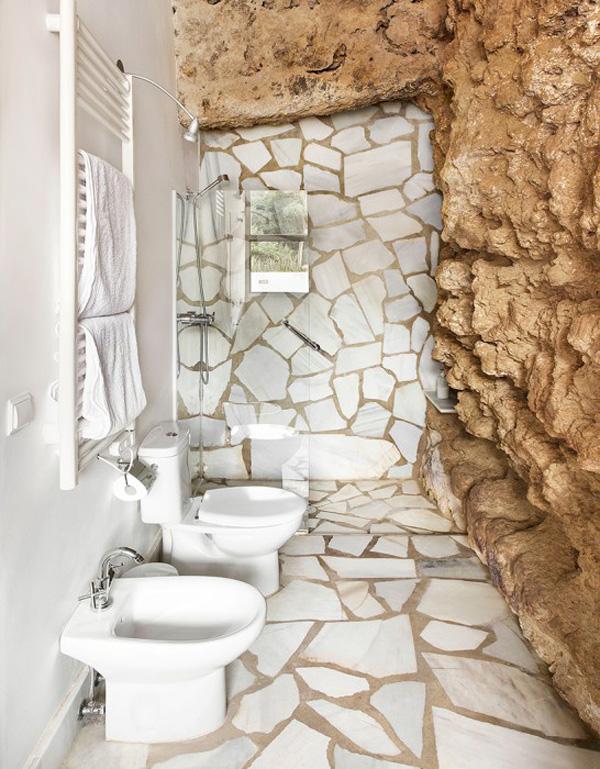 Perierga.gr-Πρωτότυπη κατοικία χτισμένη μέσα σε σπηλιά