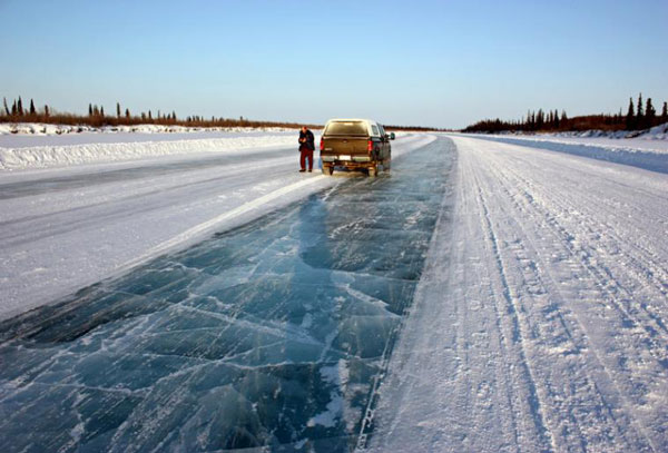 perierga.gr - Tuktoyaktuk: Ο παγωμένος δρόμος!