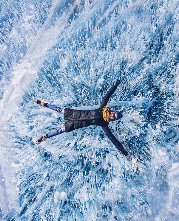 Perierga.gr-Μαγευτικές φωτογραφίες από την παγωμένη λίμνη Βαϊκάλη