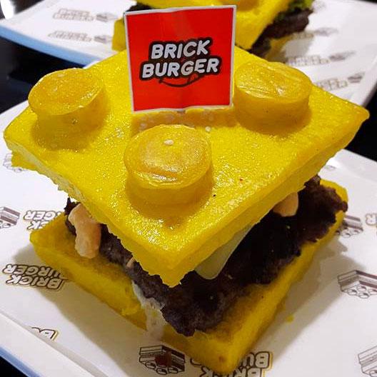 perierga.gr - Ψωμάκια μπέργκερ σε σχήμα Lego!