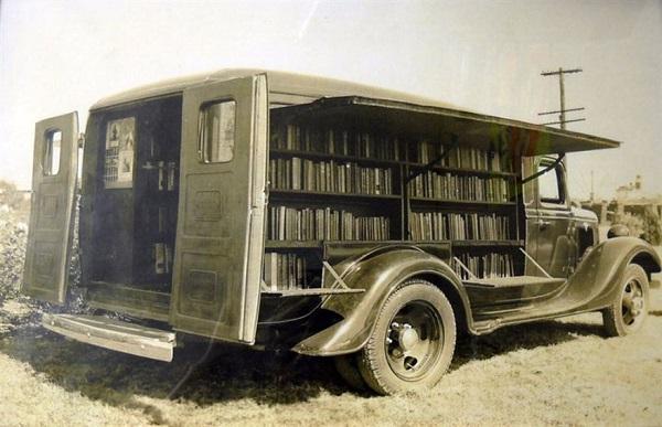 perierga.gr - Kινητές βιβλιοθήκες από το παρελθόν!