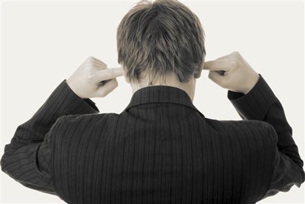 Perierga.gr-Γιατί μας εκνευρίζουν κάποιοι ήχοι όπως το μασούλημα;