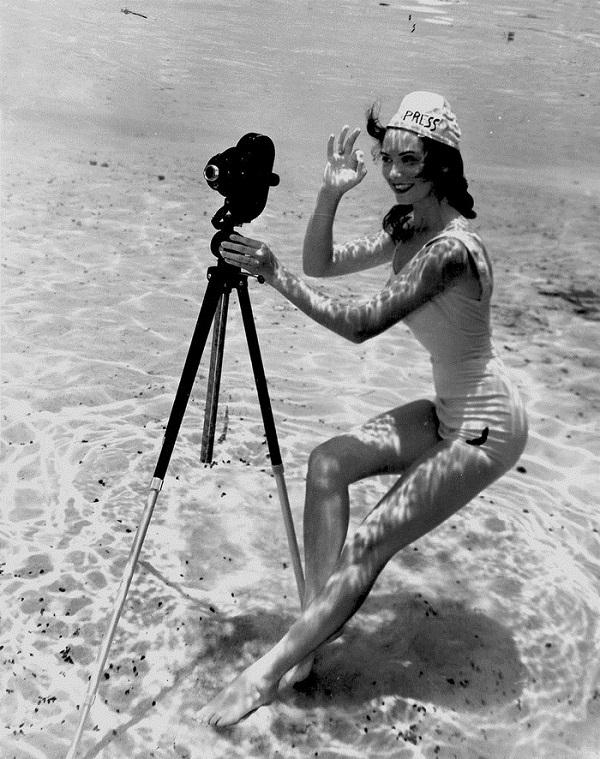 perierga.gr - Απίθανες υποβρύχιες φωτογραφίες του 1938!