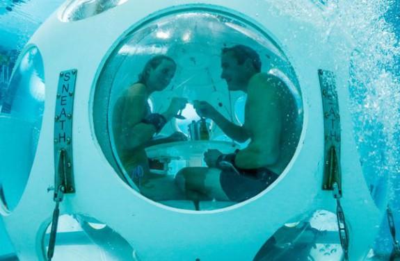 """perierga.gr - """"Pearl"""": Ένα εστιατόριο 5 μέτρα κάτω από το νερό!"""