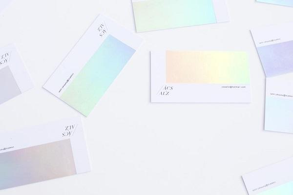 perierga.gr - Απίθανες επαγγελματικές κάρτες αλλάζουν χρώμα στο φως!
