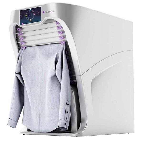 perierga.gr - Ρομπότ διπλώνει τα ρούχα σε λιγότερο από 1 λεπτό!