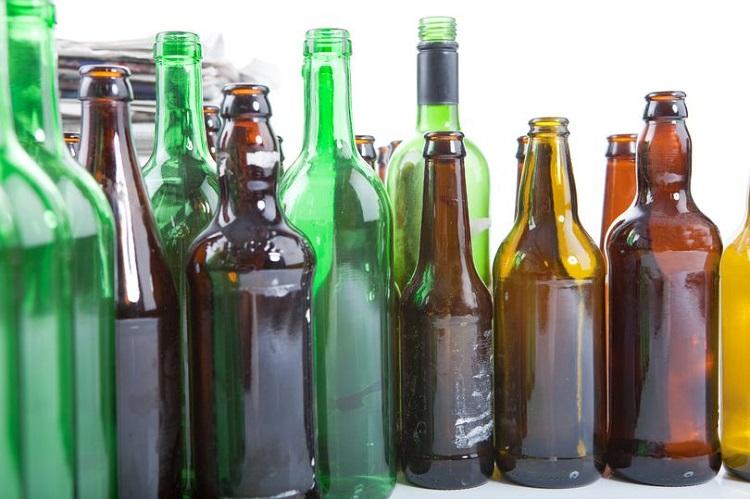 perierga.gr - Γιατί τα μπουκάλια της μπύρας είναι πράσινα ή καφέ και ποτέ διάφανα;