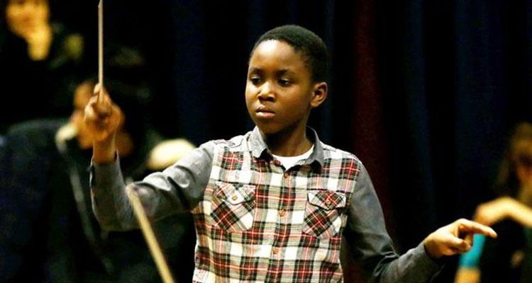 perierga.gr - Μαέστρος ετών 11, ο μικρότερος που διευθύνει συμφωνική ορχήστρα!