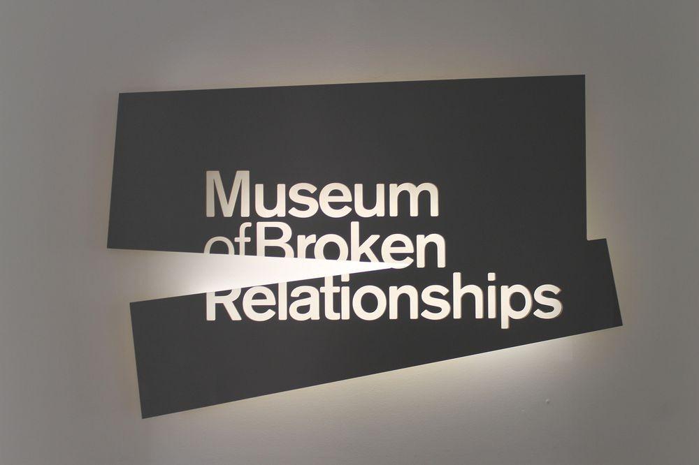 "perierga.gr - Κι όμως υπάρχει ""Μουσείο Διαλυμένων Σχέσεων""!"