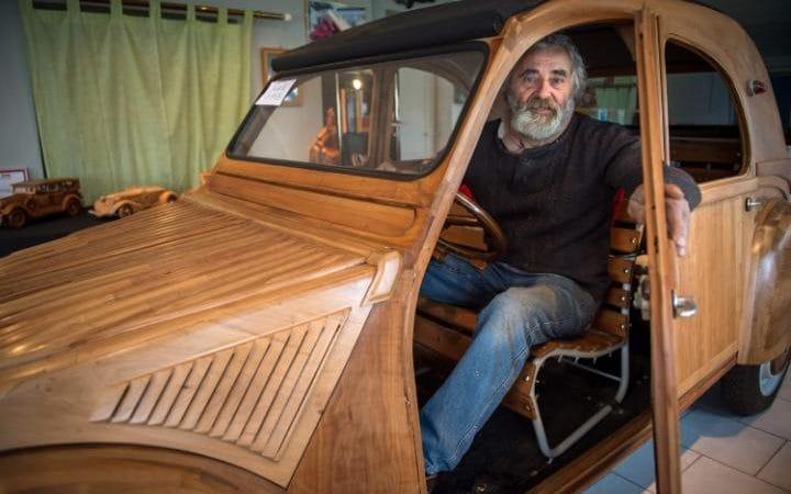 perierga.gr - Αυτοκίνητο κατασκευασμένο από... ξύλο!