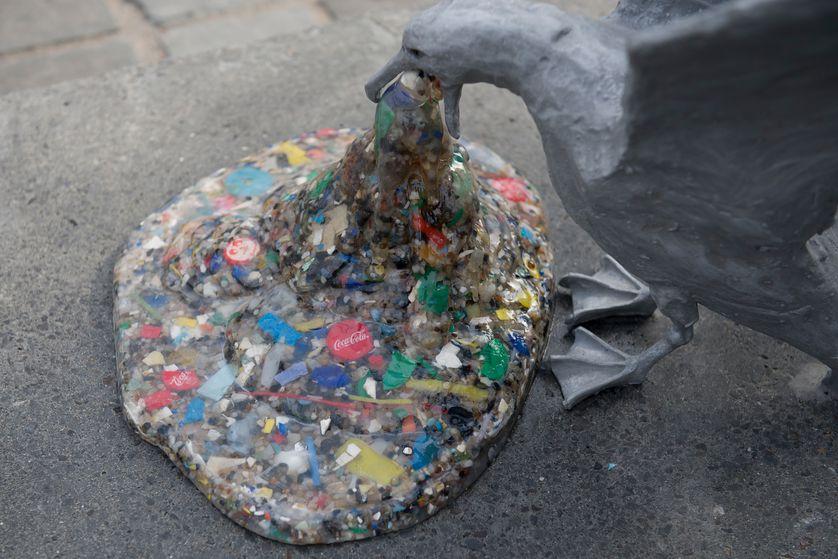 perierga.gr - Μια εγκατάσταση τέχνης επικοινωνεί το μήνυμα της ανάγκης να προστατέψουμε το περιβάλλον!