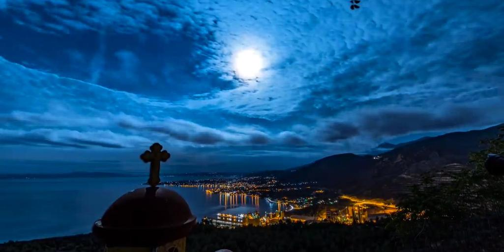 perierga.gr - Greek Skies: Ο ελληνικός ουρανός σε ένα βίντεο!