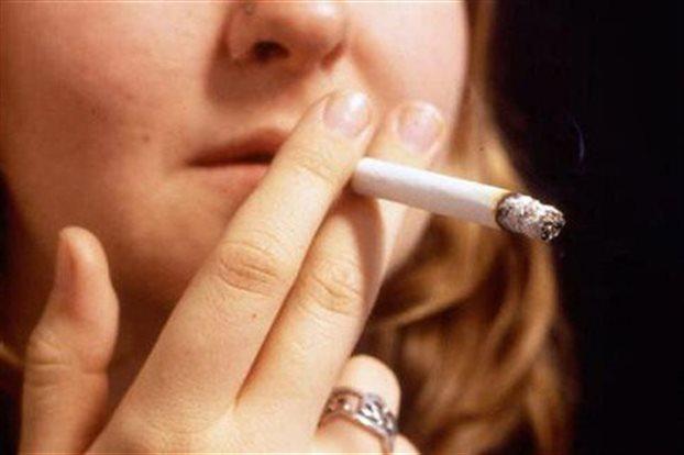 perierga.gr - Η Ελλάδα τρίτη παγκοσμίως σε ποσοστό καπνιστριών!
