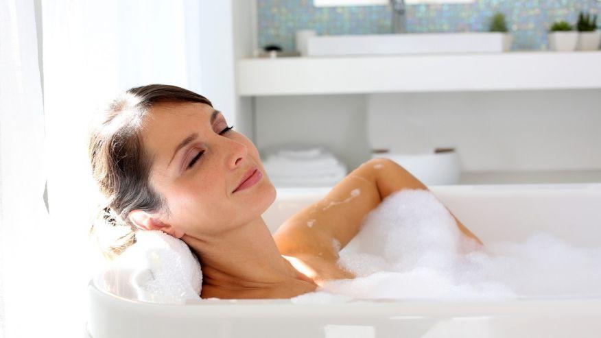 perierga.gr - Το καυτό μπάνιο καίει τις ίδιες θερμίδες με 30 λεπτά περπάτημα!