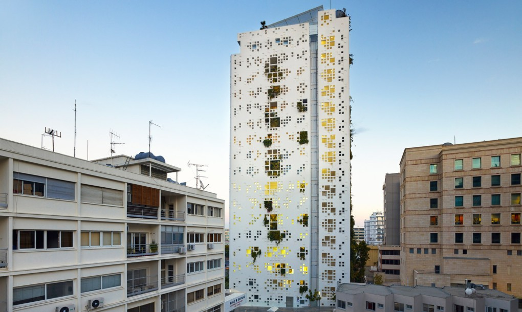 perierga.gr - Φουτουριστικός ουρανοξύστης με κάθετο κήπο!