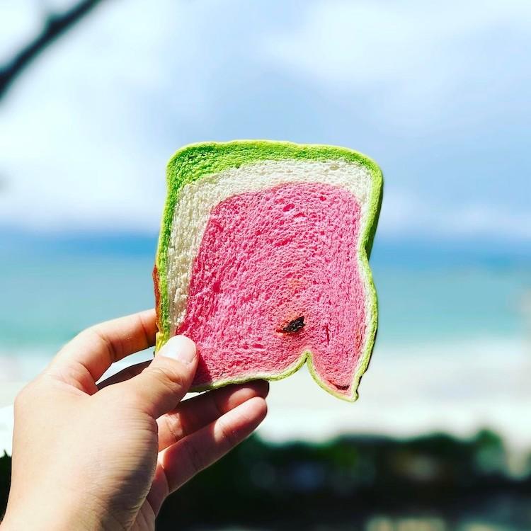 perierga.gr - Ψωμί που μοιάζει με... καρπούζι!