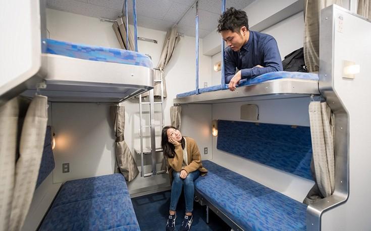 perierga.gr - Ξενοδοχείο διαμορφώθηκε μέσα σε βαγόνι τρένου!