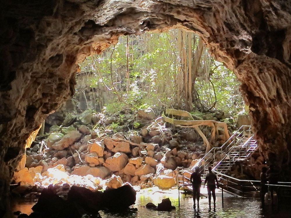 perierga.gr - Στο εθνικό ηφαιστειακό πάρκο Undara υπάρχουν μερικοί από τους μεγαλύτερους και μακρύτερους σωλήνες λάβας στον πλανήτη.