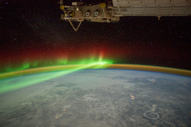 perierga.gr - Οι ωραιότερες φωτογραφίες της NASA από το Βόρειο Σέλας!