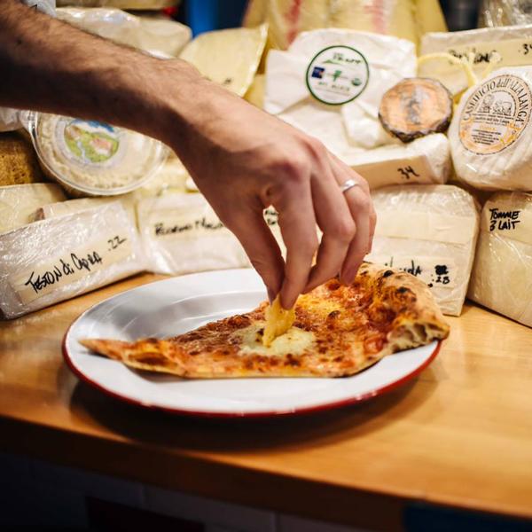 perierga.gr - Πίτσα με 101 διαφορετικά τυριά!