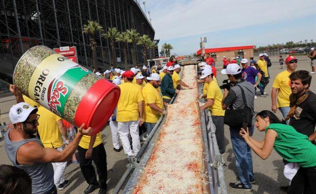 perierga.gr - Η μεγαλύτερη πίτσα στον κόσμο!