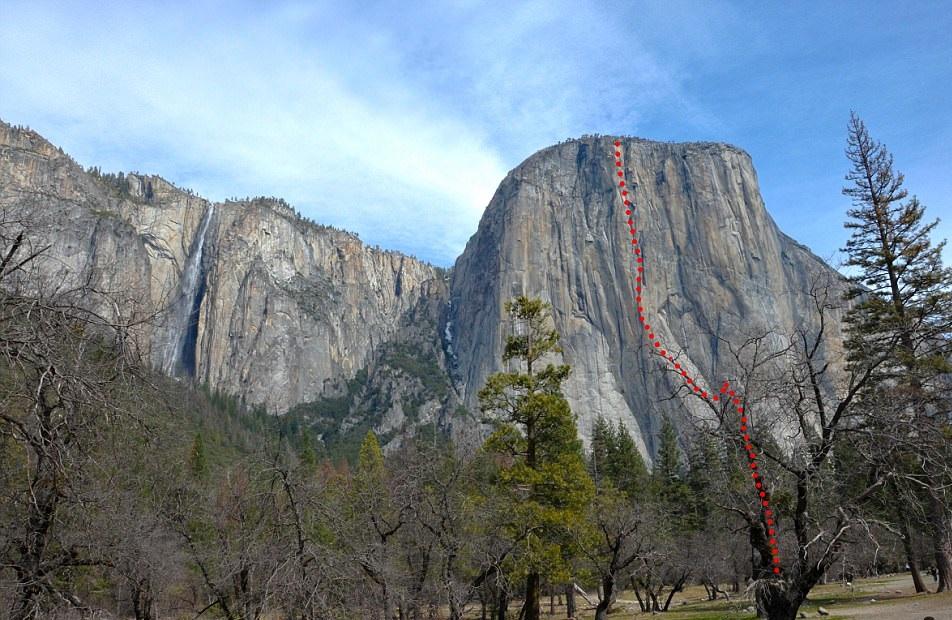 perierga.gr - Ορειβάτης σκαρφαλώνει στο El Capitan χωρίς ασφάλεια και σχοινιά!