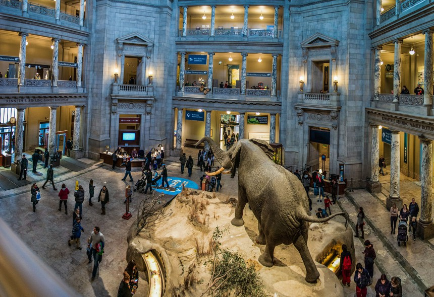 perierga.gr - Το Λούβρο δεν είναι πια το δημοφιλέστερο μουσείο του κόσμου