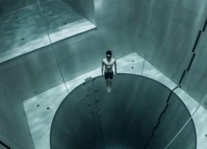 perierga.gr - Με μια βουτιά χωρίς εξοπλισμό στην πιο βαθιά πισίνα του κόσμου!
