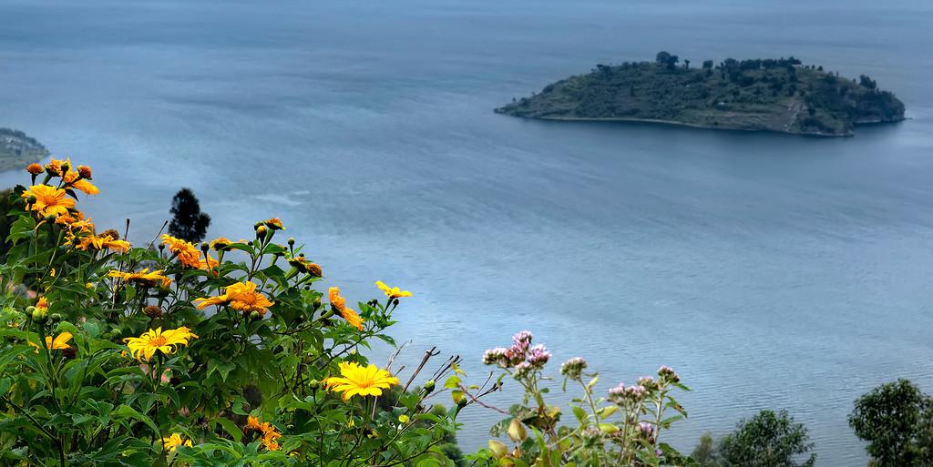 "perierga.gr - Η ""θανατηφόρα"" λίμνη Kivu!"