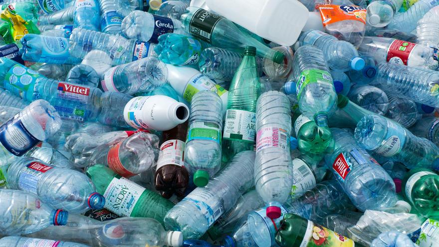 Perierga.gr - Ένα εκατομμύριο πλαστικά μπουκάλια πωλούνται κάθε λεπτό στη Γη