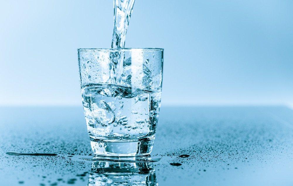 """perierga.gr - H γλώσσα μας έχει και """"6η αίσθηση"""" για το νερό!"""