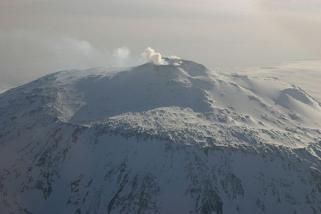 perierga.gr - Η μεγαλύτερη ηφαιστειακή περιοχή της γης στην Ανταρκτική!
