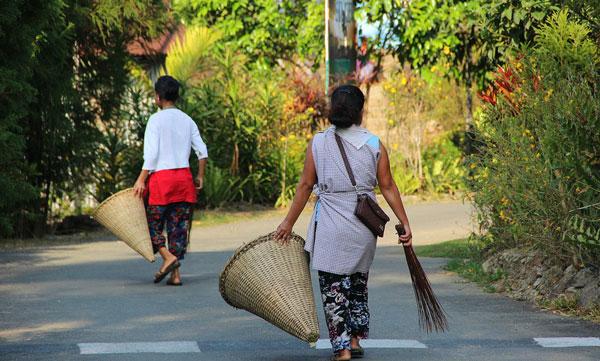 perierga.gr - Το πιο καθαρό χωριό της ασίας