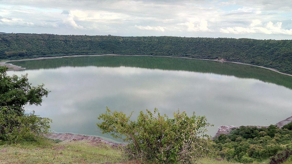 perierga.gr - Lonar: Η μοναδικής ομορφιάς βασαλτική λίμνη στην Ινδία!