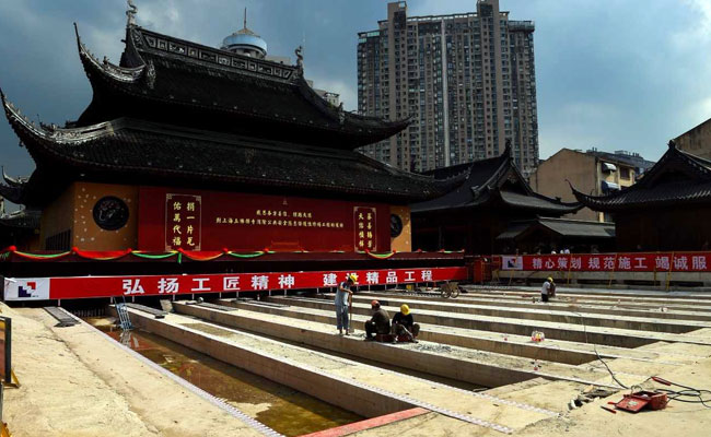 perierga.gr - Μετακινήθηκε ναός 2.000 τόνων στη Σαγκάη!