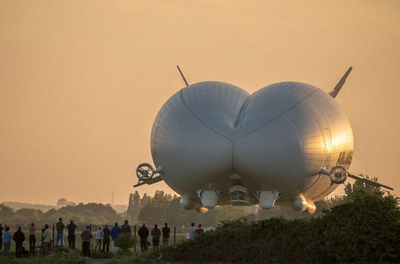 Perierga.gr - Το μεγαλύτερο αεροσκάφος του κόσμου υπόσχεται να αλλάξει τις διακοπές μας