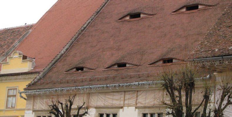 Σπίτια με...μάτια στη Ρουμανία