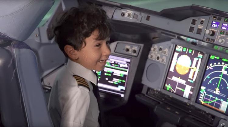 perierga.gr - 6χρονος... πιλότος εντυπωσιάζει με τις γνώσεις του!