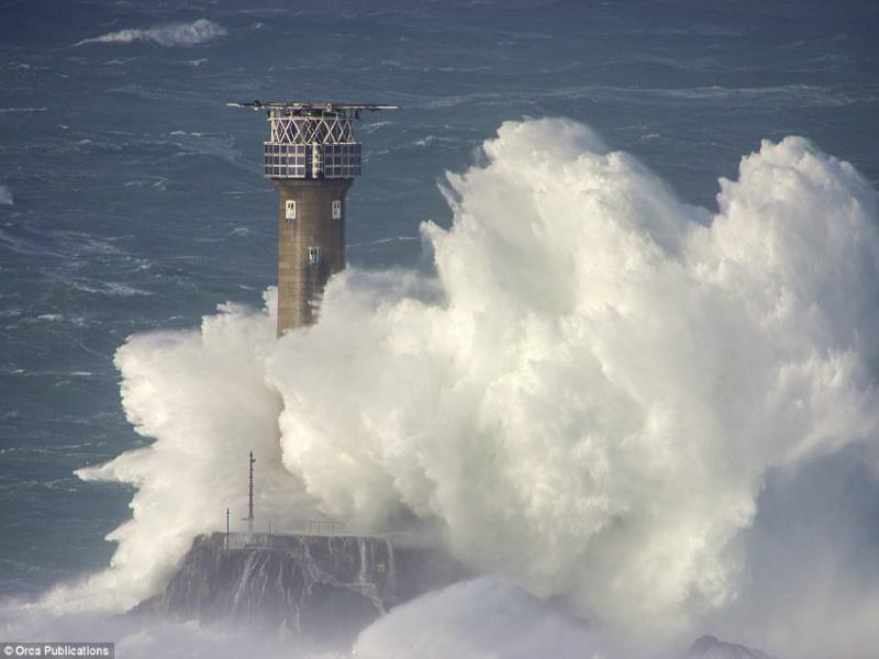 Perierga.gr-Εικόνες που δείχνουν την ομορφιά και την δύναμη της θάλασσας
