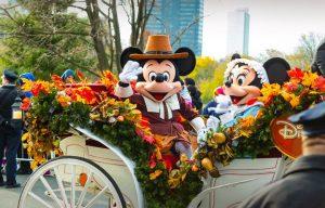 Γιατί οι δημοφιλείς χαρακτήρες της Disney φοράνε γάντια;