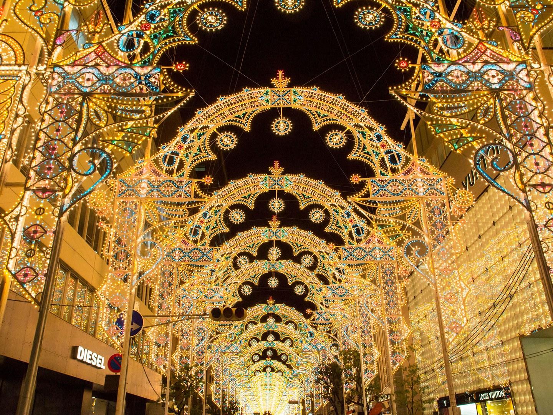 perierga.gr - Eντυπωσιακά χριστουγεννιάτικα λαμπάκια στον κόσμο!