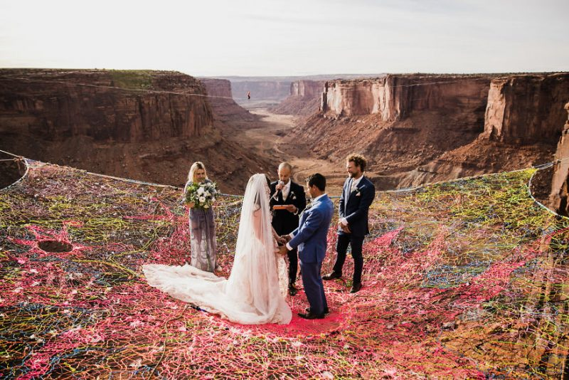 Perierga.gr - Ζευγάρι παντρεύεται στον...αέρα και οι φωτογραφίες μαγεύουν