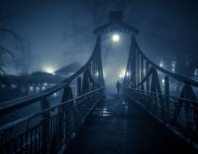 Perierga.gr - Πολωνική πόλη σε εικόνες σκεπασμένη από την ομίχλη