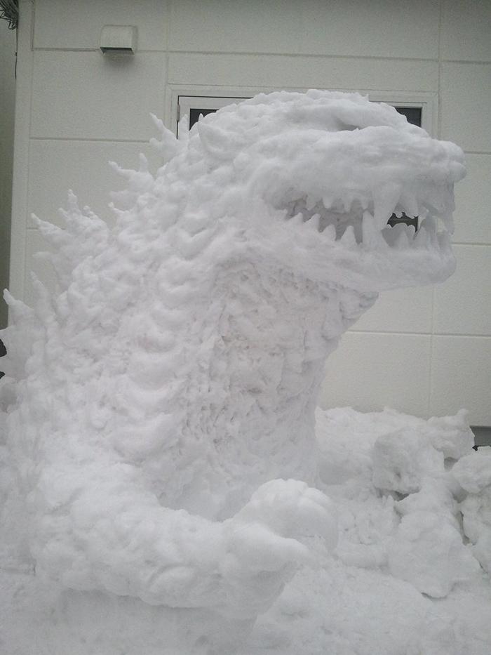 Perierga.gr - Γλυπτά από χιόνι που κάτι μας θυμίζουν