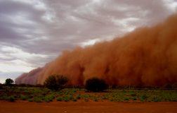Perierga.gr - Αμμοθύελλα «εξαφανίζει» πόλη στην Αυστραλία