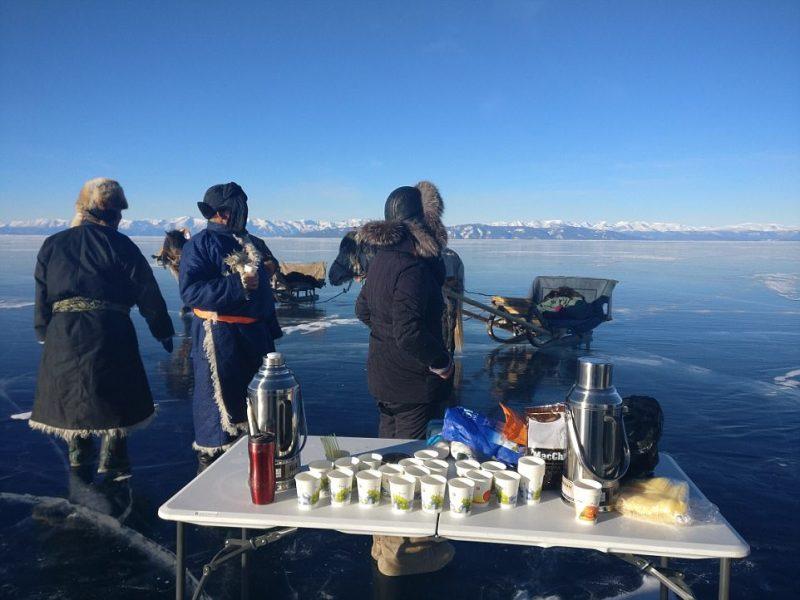 Perierga.gr - Άνδρας διέσχισε για πρώτη φορά 136 χλμ σε παγωμένη λίμνη!
