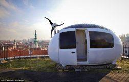 Perierga.gr - Σπίτι σε σχήμα αυγού έχει έκταση 8 τ.μ.!