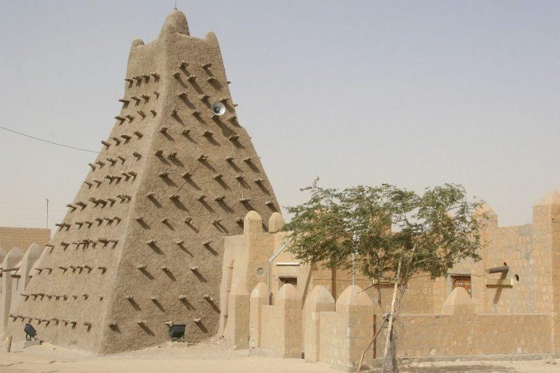 Perierga.gr - Τα τζαμιά της Αφρικής που θυμίζουν φρούρια